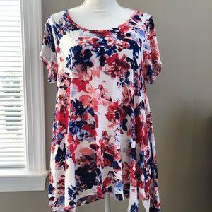NEVER WORN 🥰 Ladies Floral Short Sleeve Shirt 1X